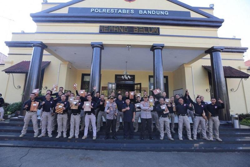 Wali Kota Berikan Penghargaan kepada 29 Anggota Tim Prabu