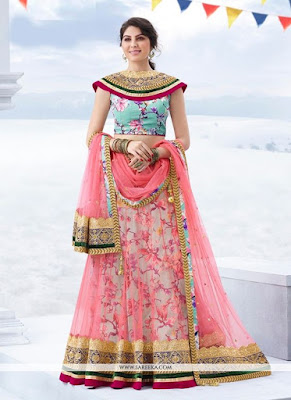 Top-blouse-designs-pattern-for-lehenga-choli-for-woman-17