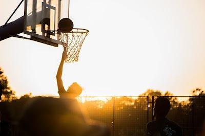 Permainan Bola Besar melalui Aktivitas Permainan Bola Basket