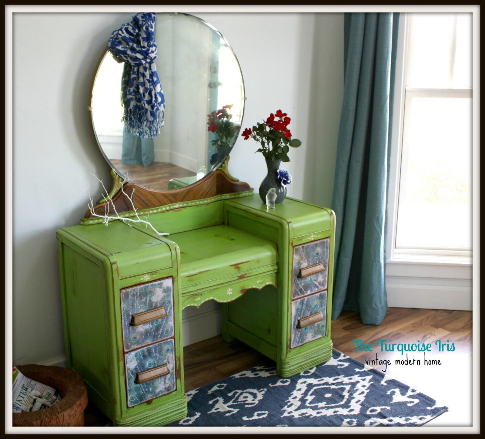Furniture & Art: Apple Green Antique