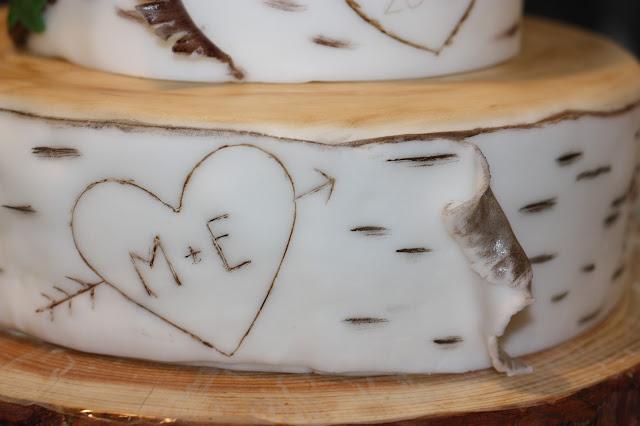 Hochzeitstorte Baum, Hochzeit in den Bergen im Herbst im Hochzeitshotel Garmisch-Partenkirchen am Riessersee, Bayern, Natur, Moos, Wald, Erdtöne, Mountain wedding, weddings abroad, Bavaria, Garmisch wedding venue with wedding planner
