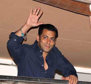 Gelang Salman Khan pirus batu