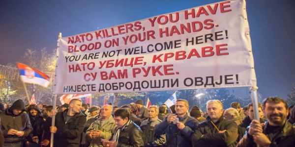 Νέα φωτιά βάζει το ΝΑΤΟ στα Βαλκάνια