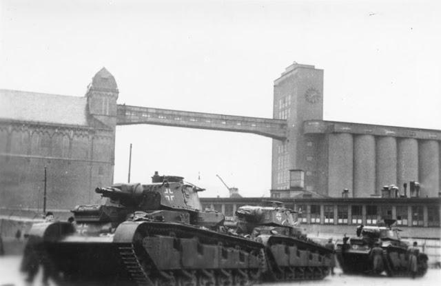 11 April 1940 worldwartwo.filminspector.com Neubaufahrzeuge