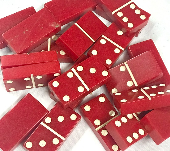 Red vintage Domino set