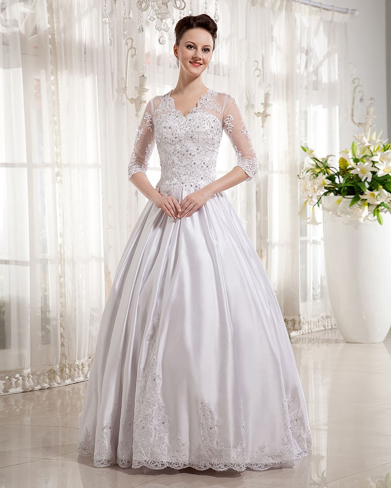 There Are Also Plus Size Vintage Wedding Dresses At Low Cost It Provides The Bride A Comfortable Feel When Is Worn