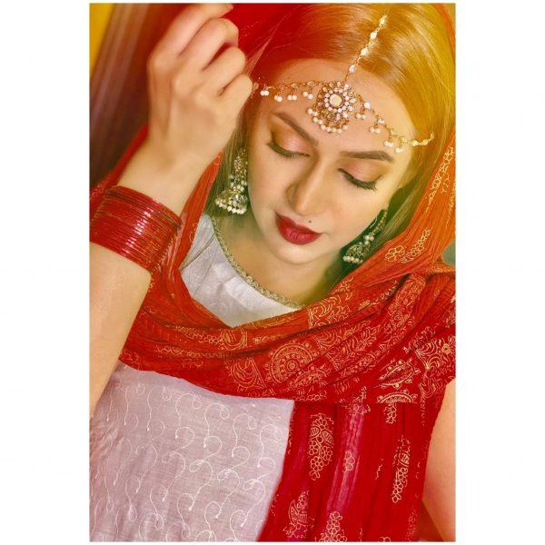 Beautiful Nikkah Pictures of Actress Hiba Khan