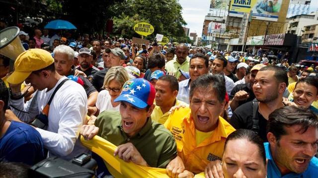 Capriles llamó a retomar las calles del país