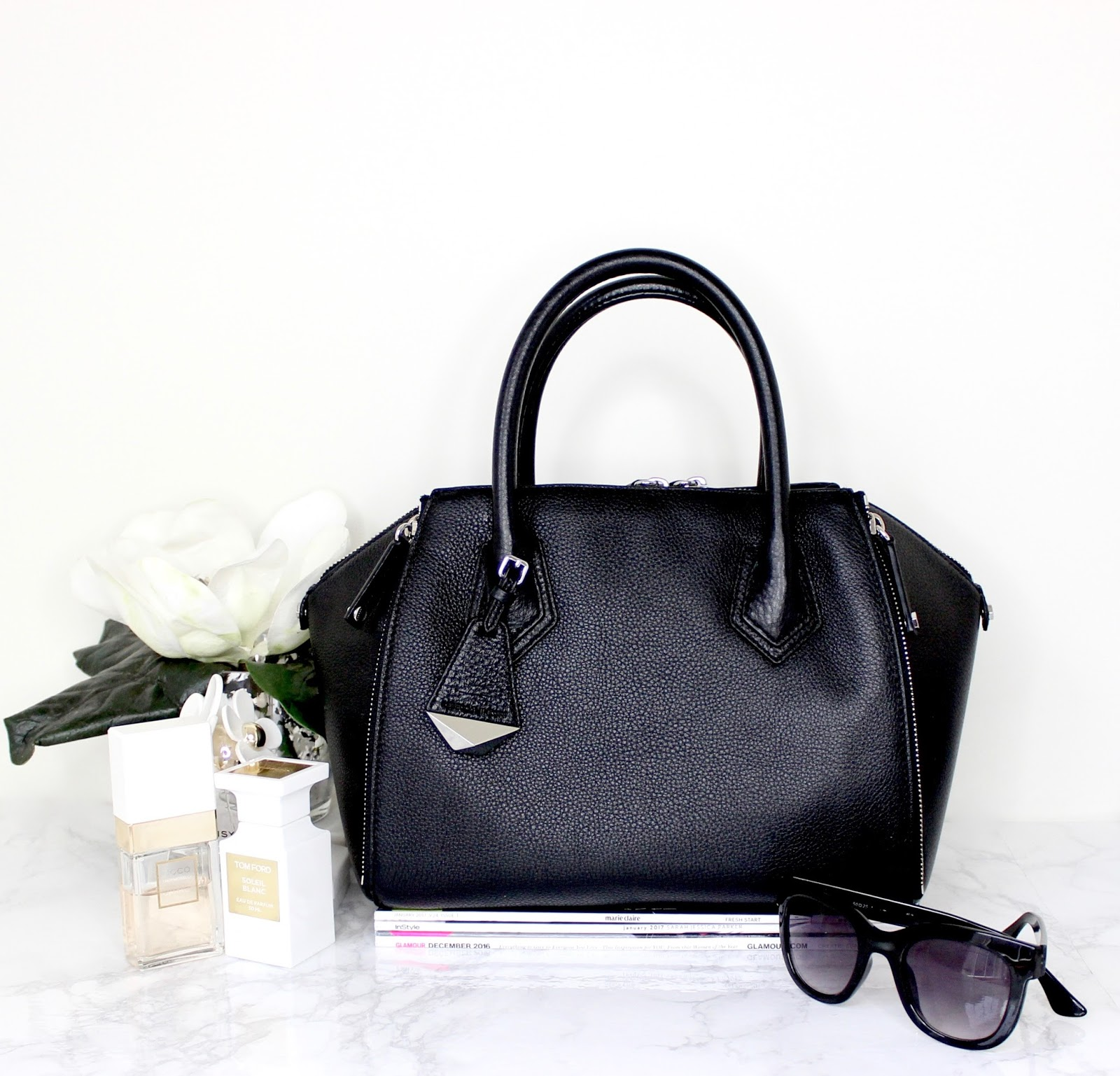 What's In My Handbag (Rebecca Minkoff Perry Satchel Bag) || Winter-Edition || #blogmas Day 9
