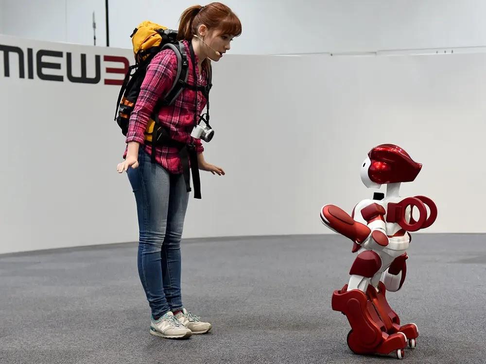 EMIEW3 Teknologi Robot Canggih Terkini 2020