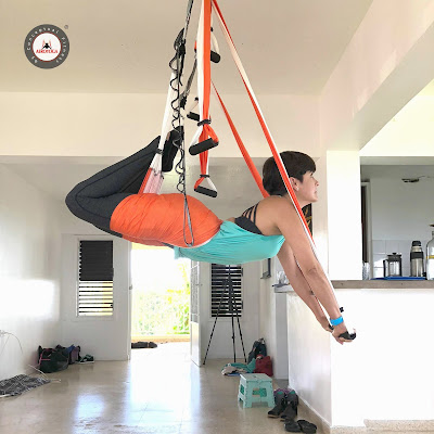 yoga acrobatico acro