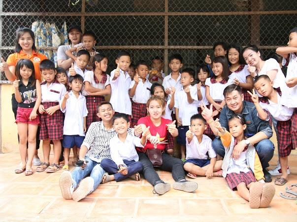 Địa Ốc Long Phát trao nhiều suất học bổng đến tay học sinh nghèo Đồng Tháp