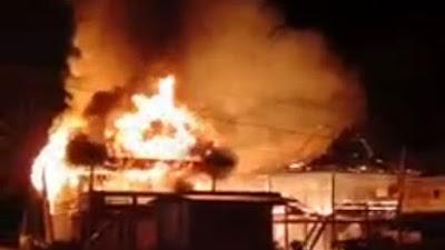 Kebakaran di Gilireng Hanguskan 2 Rumah Panggung Milik Warga