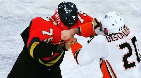 deslauriers reaves vegas nhl fight
