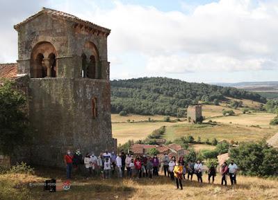 Visita guiada por las pedanías de Barruelo. Foto de grupo en Villanueva de la Torre