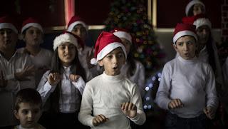 بالصورة للمرة الأولى في التاريخ: وزير التربية اللبناني يعتبر ليلة عيد الميلاد يوم تعليم عادي