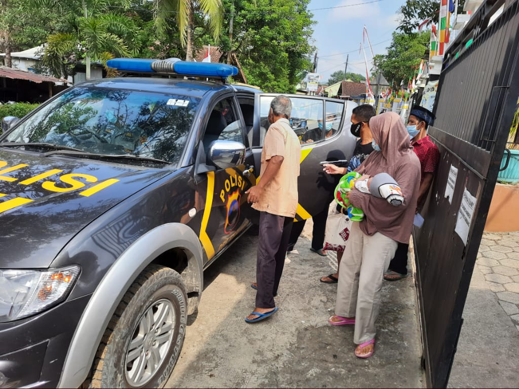 Peserta Vaksinasi di Alian Dijemput Pakai Mobil Patroli