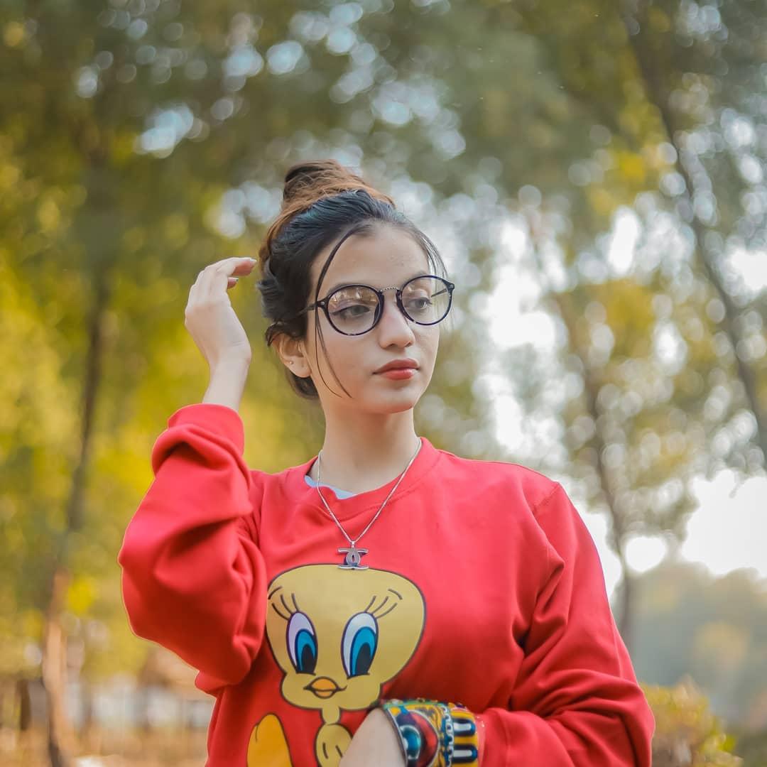 Stylish girl dp 2021