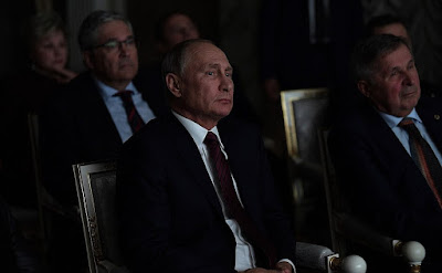 Vladimir Putin during Salyut-7 screening.