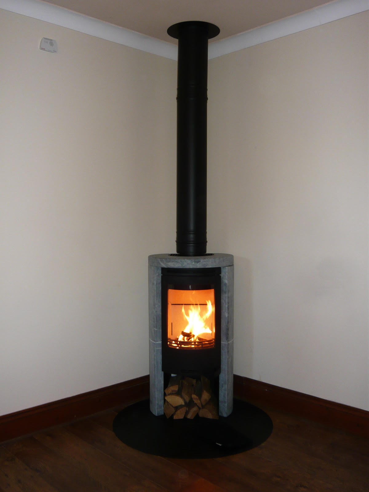 Mobile Pool Redwood Stoves Ltd Cornwall: Contura 520t Soapstone Sides