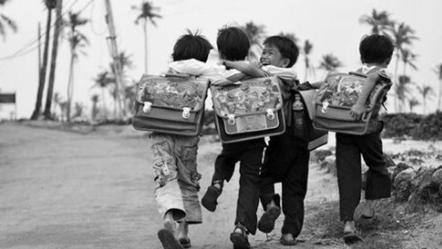 Trẻ em hiện nay không có một tuổi thơ đúng nghĩa