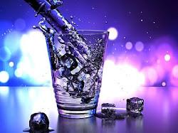 8 Alasan Penting Mengapa Harus Minum Air Putih yang Cukup