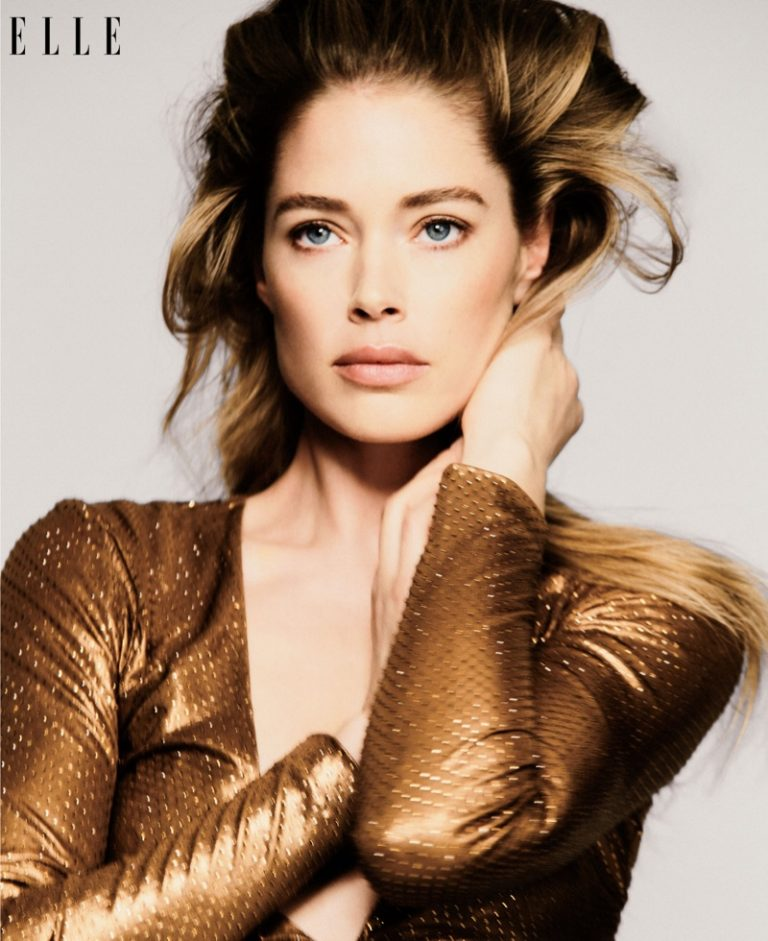 Doutzen Kroes wears Ralph Lauren dress