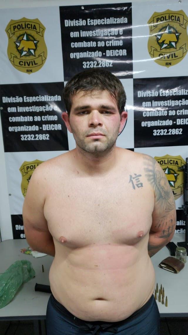 """Operação """"Senhor dos Armas"""" prende 2 integrantes de facção criminosa 1 é filho de prefeito do interior do RN"""