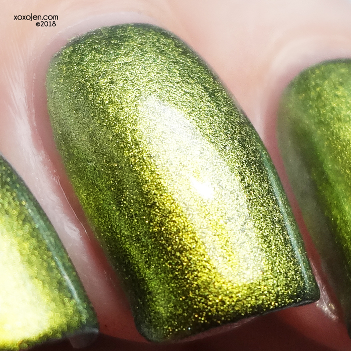 xoxoJen's swatch of kbshimmer Fool Moon