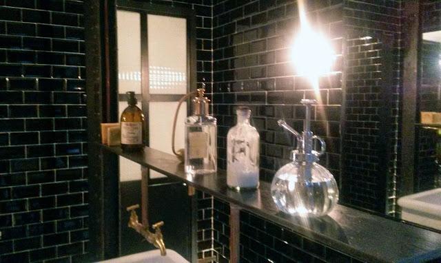 Baños, restaurante Dstage