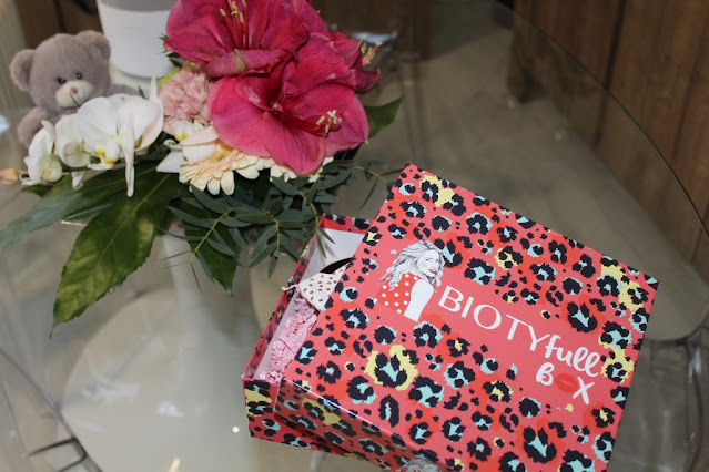 "Biotyfull Box de Février 2021 ""La glamour St Valentin"""
