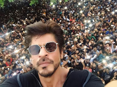 srk-gets-raees-fever-to-dil-hai-hindustani
