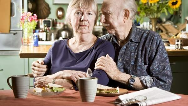Un nuevo método de análisis de sangre podría detectar a personas con riesgo de padecer alzhéimer