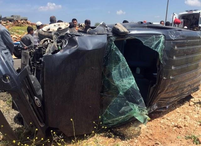 Bozova - Halfeti yolunda kaza: 1ölü 2 yaralı