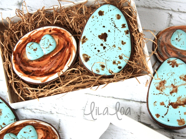 Cookie decorating tutorial -- Easter and Spring Speckled Egg and Nest cookies