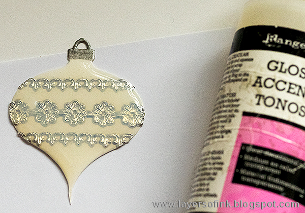 Layers of ink - SSS Believe in the Season Blog Hop. Glass bauble card tutorial by Anna-Karin.