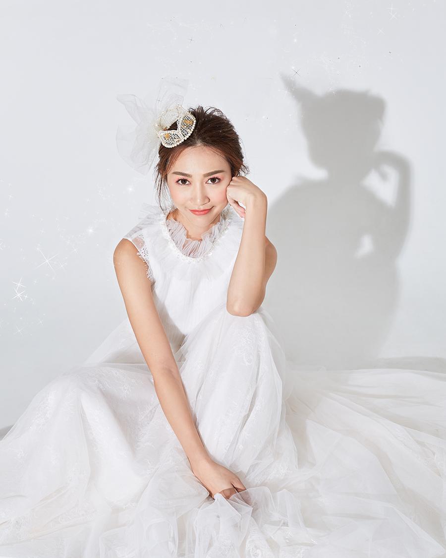 White sexy Dress Artis Hongkong Carmaney Santiago