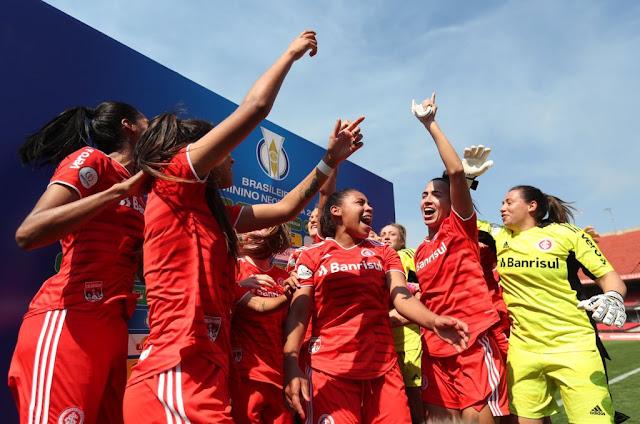 Internacional conquista uma inédita classificação para a semifinal do Brasileirão Feminino