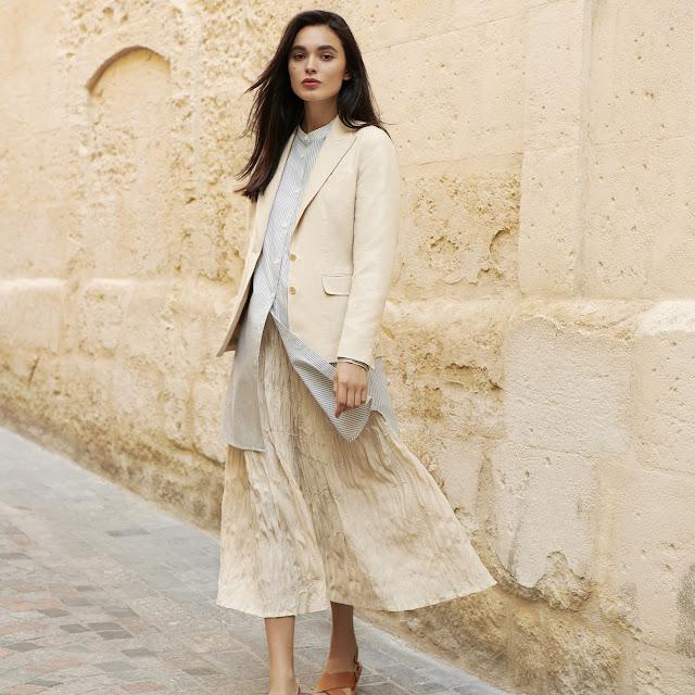 https://www.uniqlo.com/fr/fr/product/veste-blazer-ines-en-coton-femme-426694.html?dwvar_426694_color=COL30&dwvar_426694_size=SMA003&cgid=IDouterwear16197&hassubcat=false