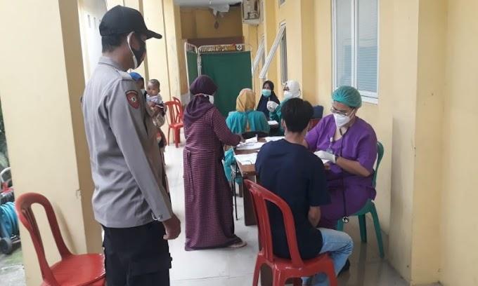 Polsek Carenang Laksanakan Pengamanan Vaksin Tahap I dan II untuk Disabilitas dan Umum