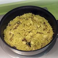 http://recetasoriginalesblog.blogspot.com.es/2014/08/arroz-con-pollo-y-setas-al-curry.html
