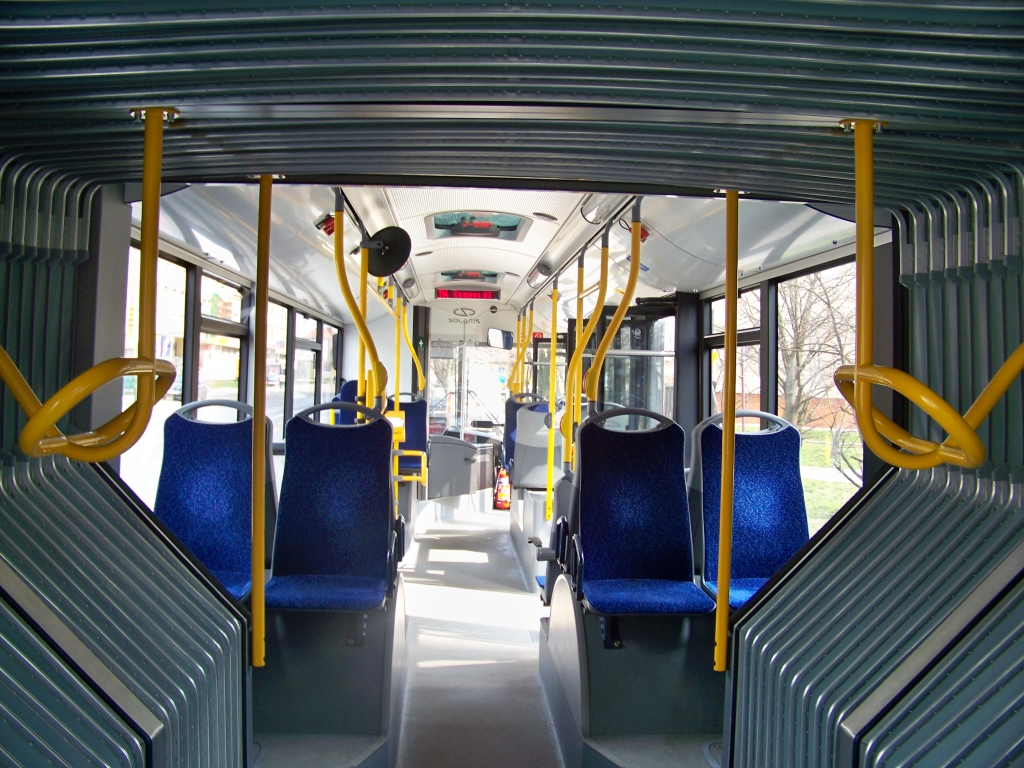 Solaris Urbino 18 Hybrid - Wnętrze Od Przegubu