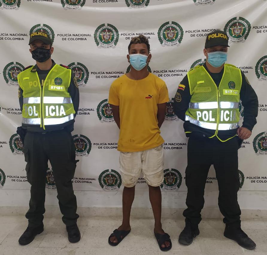hoyennoticia.com, Lo sorprendieron robándose una moto en Riohacha
