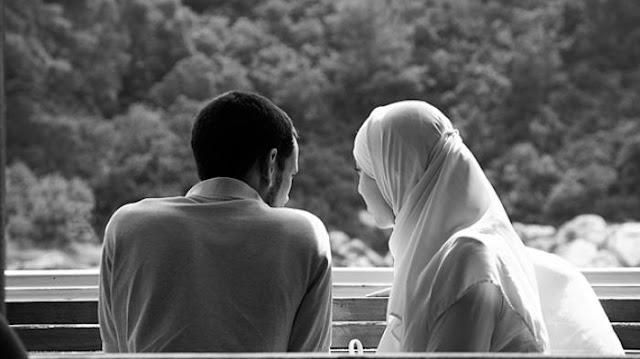 Jaga Aib Pasanganmu, Seburuk-buruknya Kamu atau Dia, Dunia Tak Perlu Tahu!
