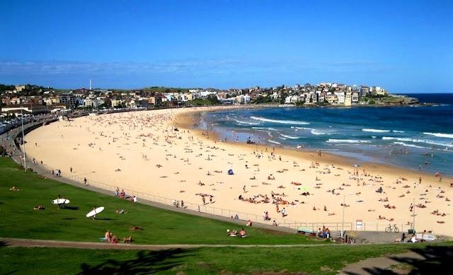 Objek Wisata Pantai Bondi Beach Sydney Australia