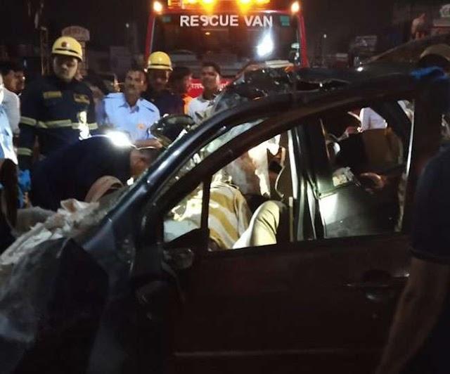 महाराष्ट्र: पुणे हाईवे पर कार और ट्रक की भीषण टक्कर, एक ही गांव के रहने वाले 9 लोगों की मौत