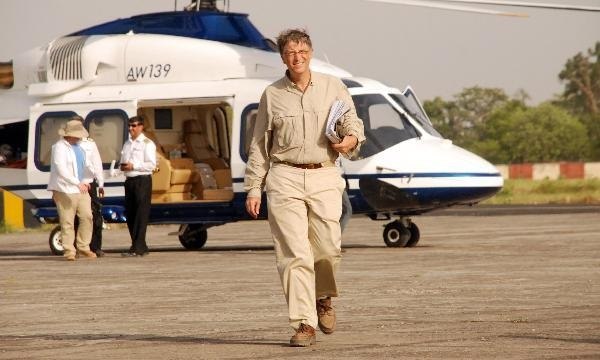 BREAKING NEWS: BILL GATES ARRIVES WITH $20 BILLION TO INVEST IN THE PHILIPPINES