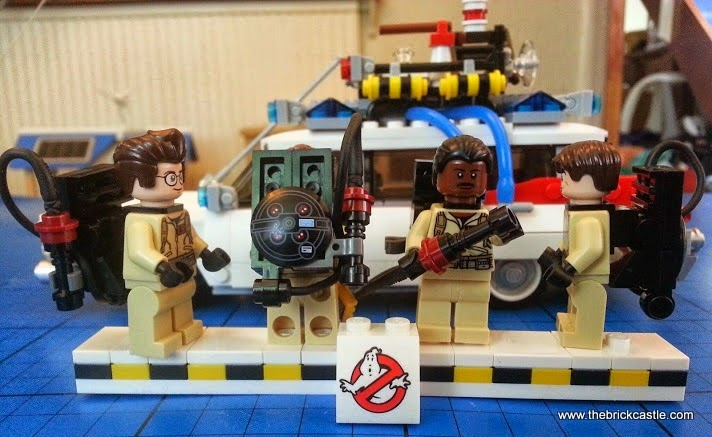 The LEGO Ghostbusters Ecto-1 Car and Minifigures set 21108 Proton Pack detail