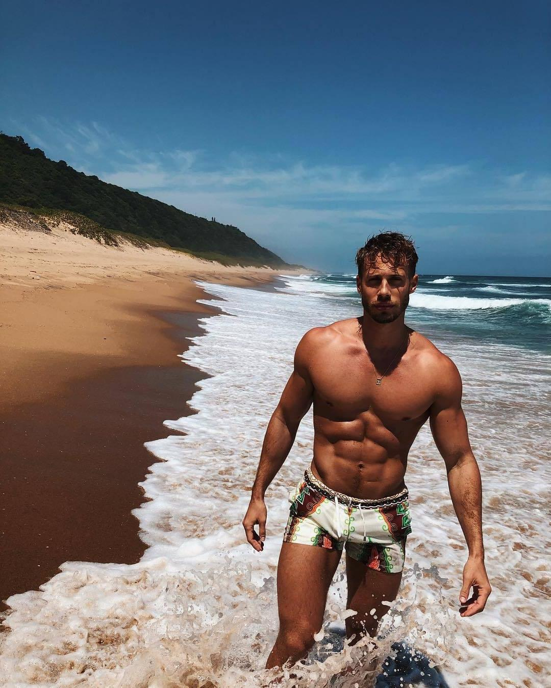 sexy-gay-guys-beach-body-fit-shirtless-dude-ocean-waves