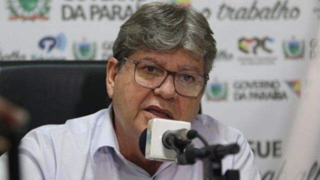 Governador da Paraíba anuncia convocação de mais 500 aprovados do concurso da Educação